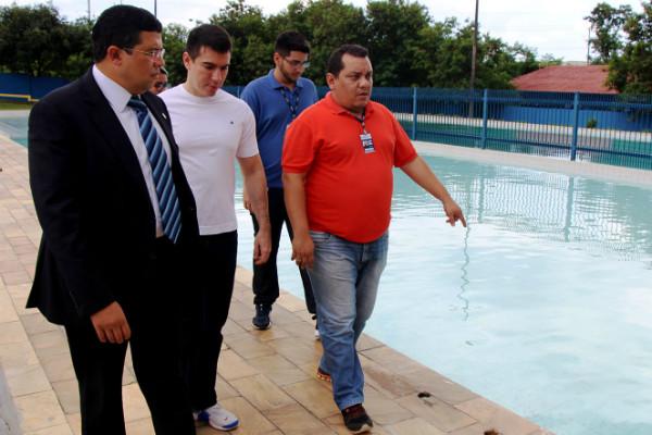 João Luiz visita Mini vila Olímpica do Santo Antônio e promete projetos de inclusão comunitária
