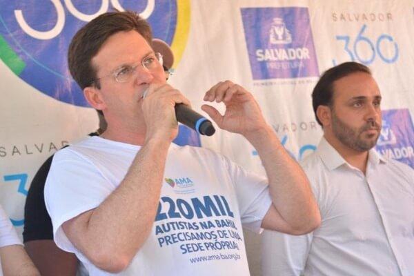 João Roma participa do lançamento de materiais pedagógicos para autistas