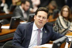 João Roma destaca repasse de R$ 2 bilhões para santas casas e hospitais