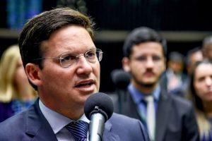 João Roma defende contratação de médicos para combater coronavírus