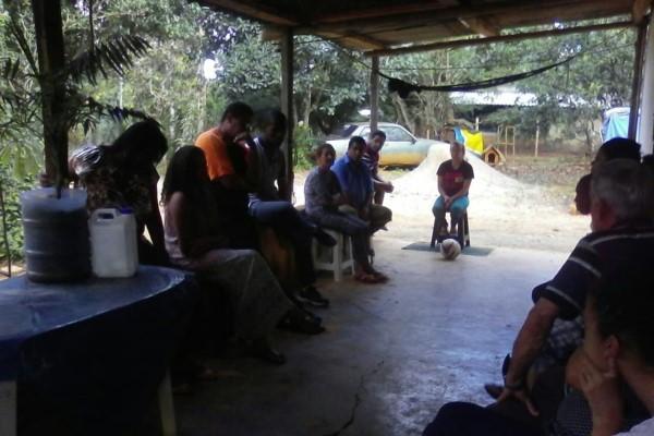 Jorge Amaro acolhe demandas de moradores do Padre Lúcio