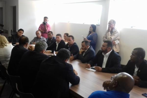 Jorge Amaro exige melhorias de infraestrutura em Águas Lindas de Goiás