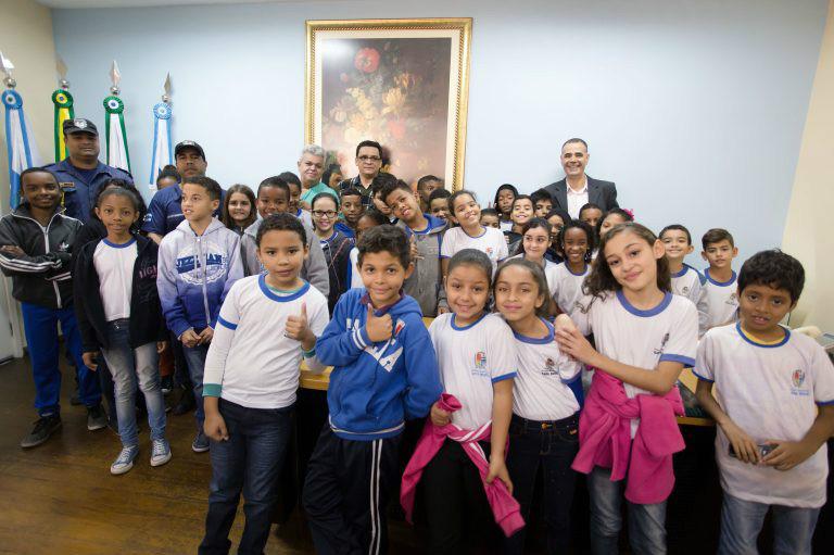 Jorge Costa recebe mais uma turma do projeto 'Anjos da Guarda'