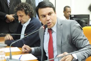 Lei garante salva-vidas em tempo integram em clubes de Belo Horizonte