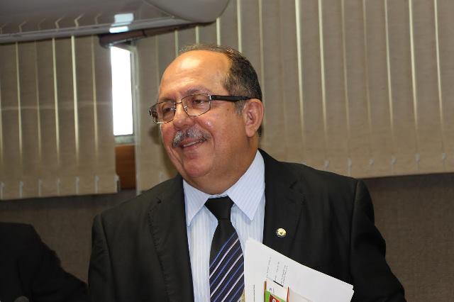 José de Arimateia comemora transplantes feitos pelo Hospital Ana Nery