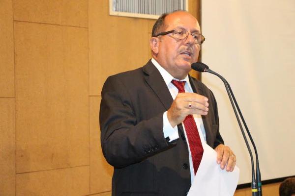 Arimateia quer Juizado Cível de Apoio ao Superendividado em Feira de Santana (BA)