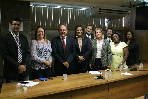 Arimateia empossa membros da Frente de Apoio ao Protagonismo Infanto-juvenil na BA