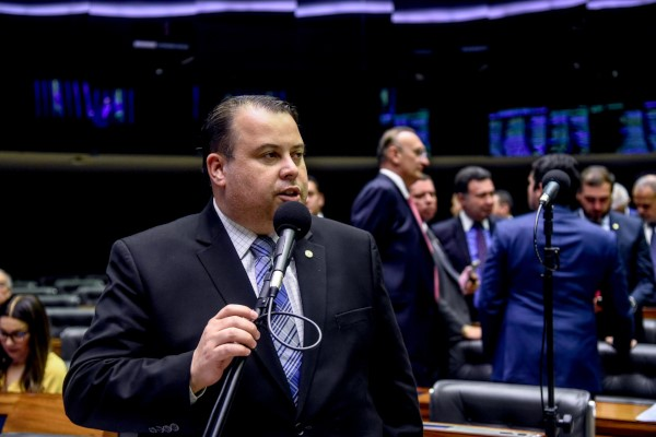 Câmara aprova emenda de Julio Cesar em defesa do Corpo de Bombeiros Militar do DF