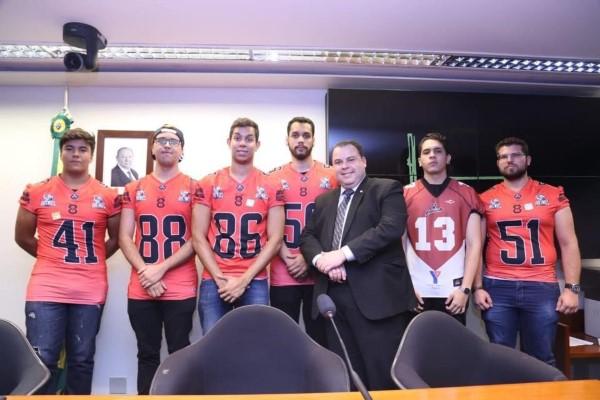 Futebol americano no Brasil tem apoio de deputado do PRB