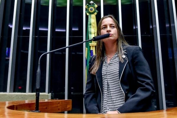 Sessão solene homenageia Confederação Brasileira do Desporto Universitário