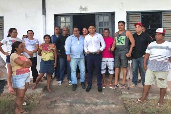 Junior Bravo ouve demandas dos moradores de Barcarena (PA)