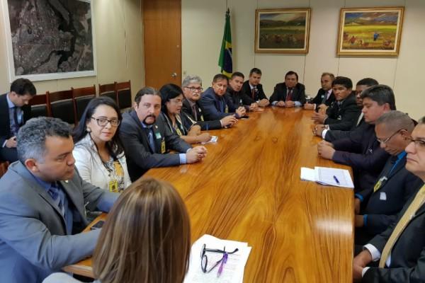 Com 14 prefeitos, Júnior Verde reivindica royalties de mineração
