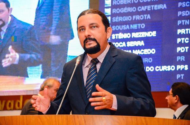 junior-verde-prb-destaca-importancia-da-marcha-dos-prefeitos-foto-ascom-04-11-15