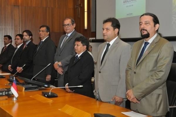 junior-verde-prb-reuniao-parlamento-amazonico-foto-ascom-22-10-15