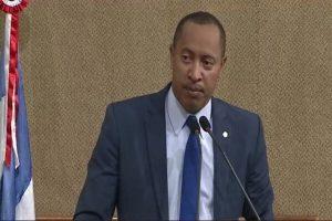 Jurailton Santos quer intérpretes de libras na Assembleia da Bahia