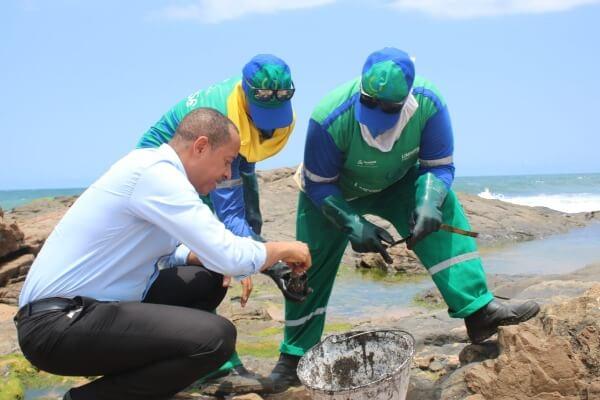 Jurailton Santos quer medidas para conter óleo nas praias da Bahia