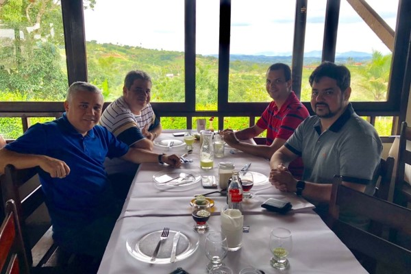 Jutay Meneses visita municípios e se reúne com vereadores de Campina Grande