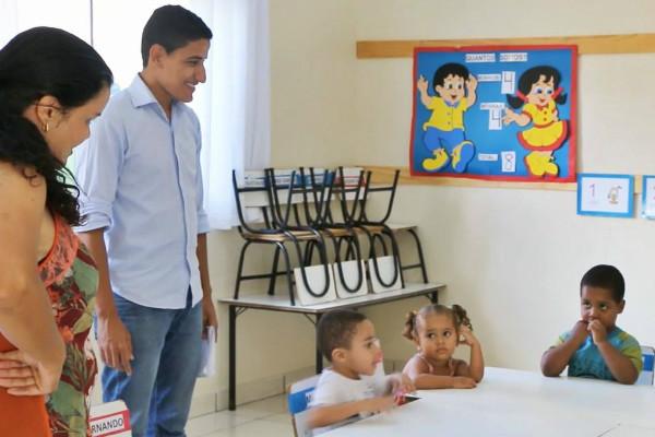 Kenedy Wállafy solicita melhorias para escola infantil de Pompéu (MG)