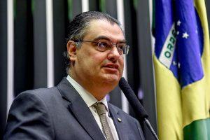 Lafayette de Andrada destaca segurança e energia renovável como prioridades do mandato