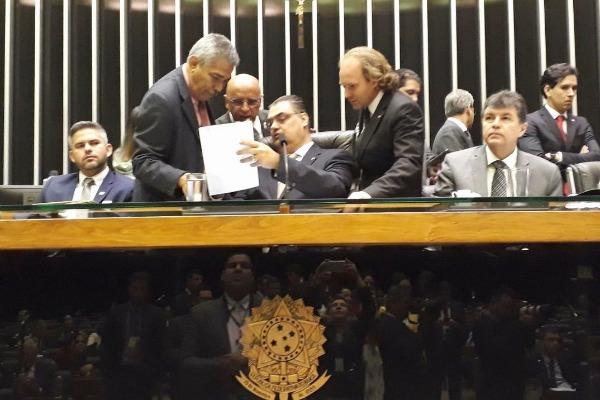 Lafayette de Andrada preside sessão que apura desastre em Brumadinho