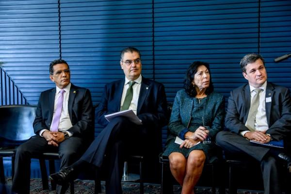 Lafayette de Andrada instala frente parlamentar para debater novas leis de energia renovável