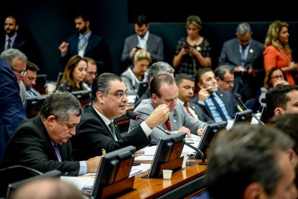 Deputados do PRB defendem reforma da Previdência em audiência que ouviu ministro da Economia