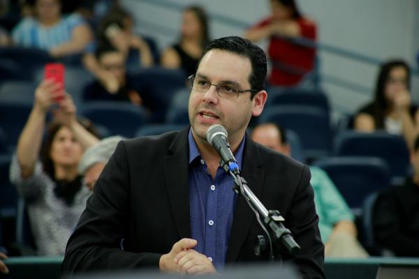 Leandro Rosso quer divulgação de lista de espera de inscritos em programas habitacionais