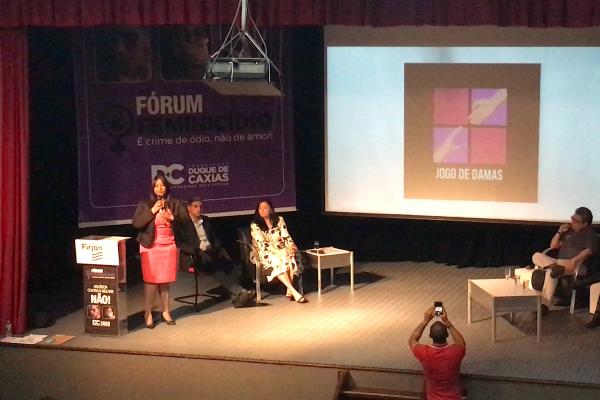 Vereadora Leide debate feminicídio em Duque de Caxias