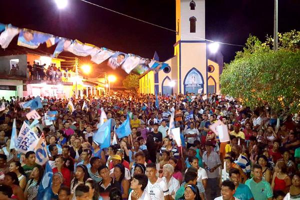 Os eventos que a campanha do PRB em Milagres do Maranhão promoveram foram todos assim, com as ruas e praças lotadas de gente.