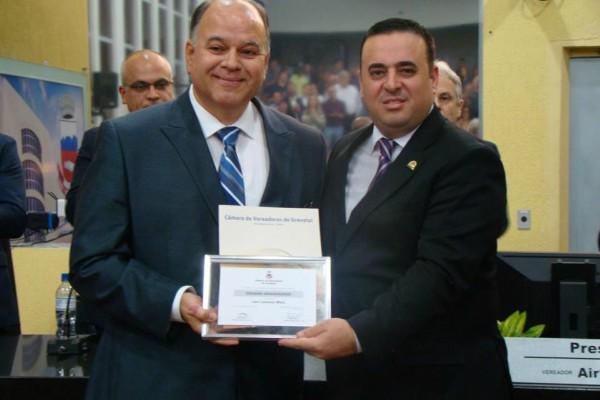 Presidente do PRB de Gravataí é homenageado pela Câmara Municipal