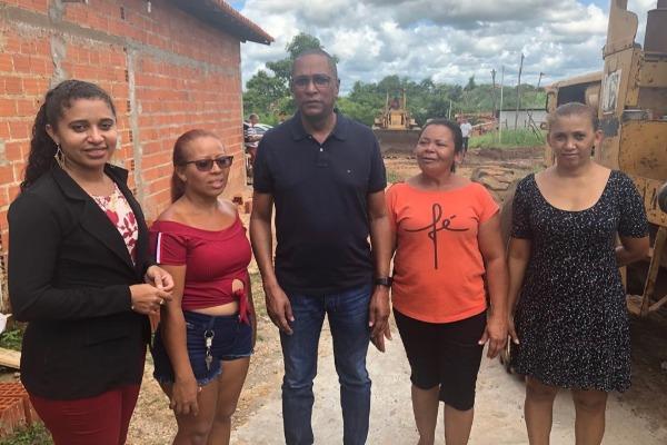 Vereador Levino de Jesus percorre bairros de Teresina ouvidos demandas da população