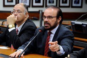Câmara aprova projeto de Lincoln Portela que aumenta pena para o crime de feminicídio