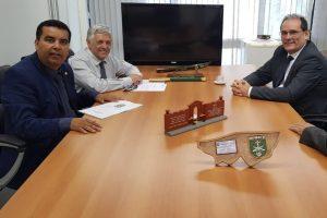 Obra da Avenida Brasília em Candeias será retomada, afirma Lindomar Garçon
