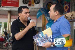 Lindomar Garçon reúne multidão durante caminhada em Candeias (RO)
