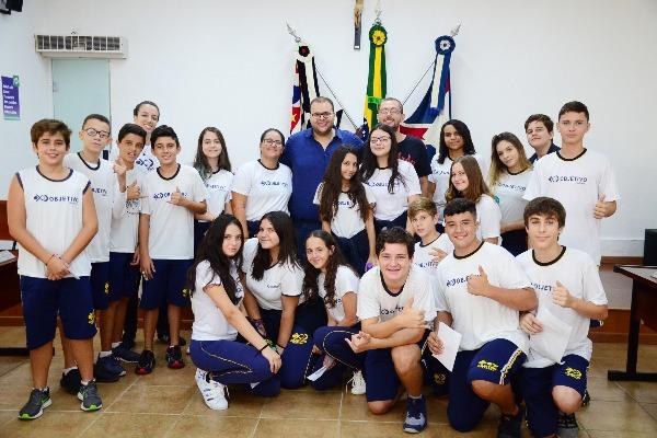 Câmara de Itapira recebe alunos do ensino fundamental