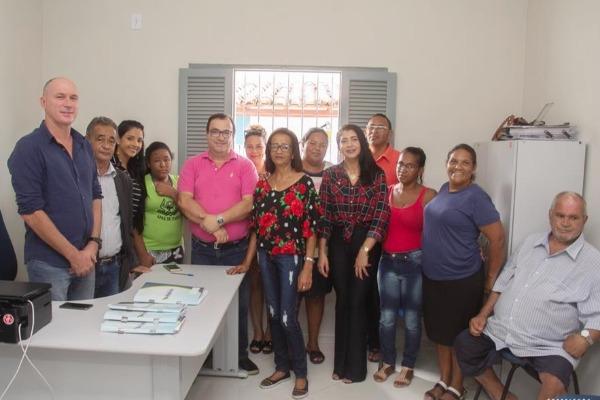 Prefeito assina convênio para manutenção da Apae e asilo de Itabela (BA)