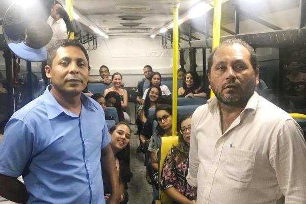 Prefeito garante transporte para universitários de Itabela que estudam em Itamaraju