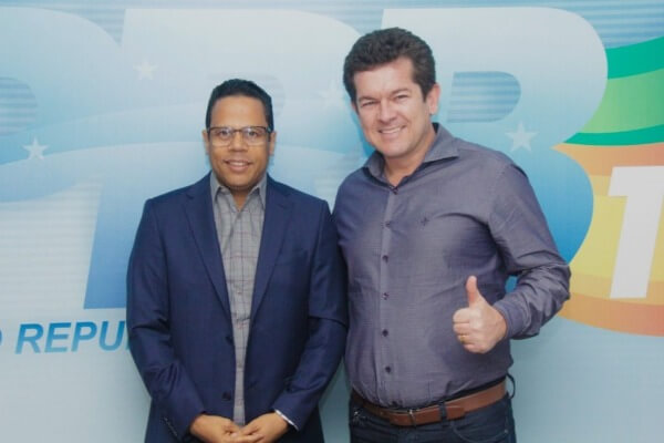 Luis Carlos Gomes recebe prefeito de Arraial do Cabo