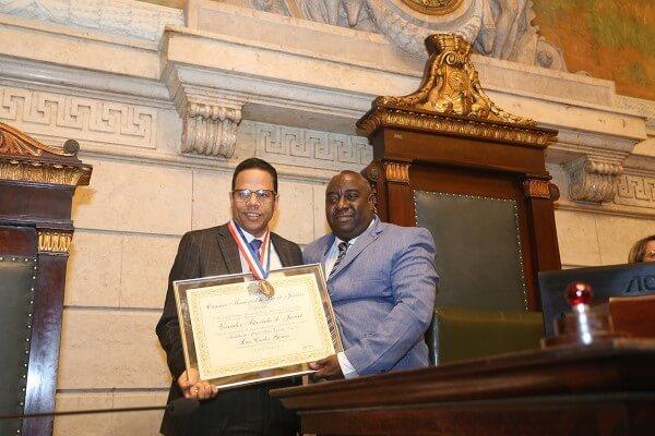 Republicano Luis Carlos Gomes recebe Medalha Pedro Ernesto no Rio