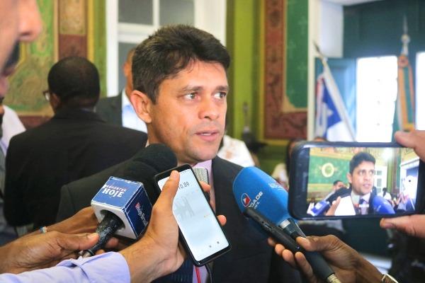 Salvador: vereador apresenta projeto de combate à automutilação