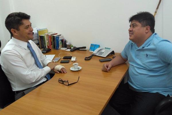 Luiz Carlos recebe vereador de Manaus para troca de experiências em comissões