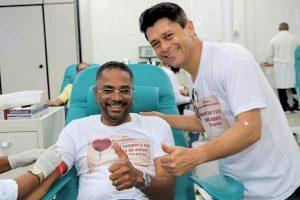 Luiz Carlos e apoiadores se mobilizam em campanha para doação de sangue em Salvador