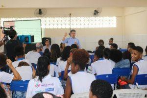 """Projeto """"Câmara na Escola"""" atende estudantes do bairro Castelo Branco em Salvador"""