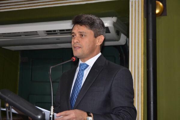 Luiz Carlos homenageia os 72 anos da ABO - Secção Bahia