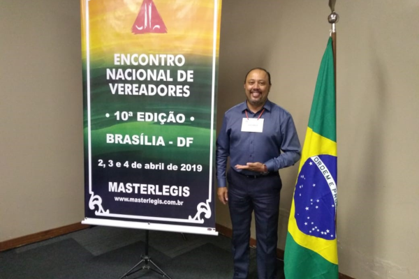 Luiz Lippi participa de encontro nacional de vereadores em Brasília