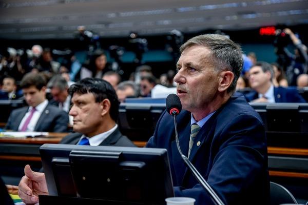 Paulo Guedes atende pedido de Luizão e vai à Câmara debater reforma da Previdência