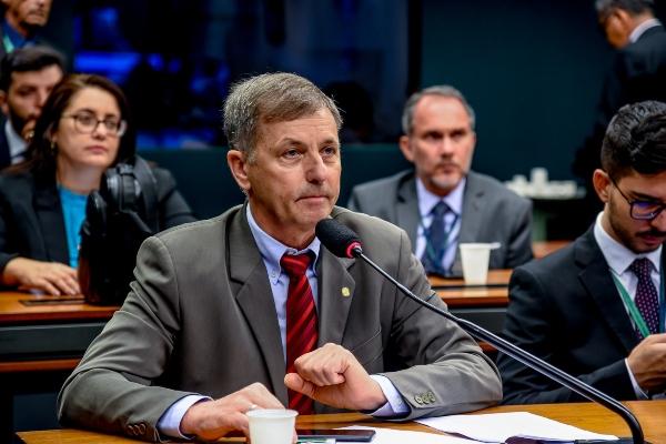 Luizão tem emenda aprovada pelo relator da LDO