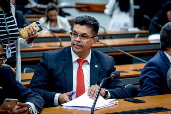 Manuel Marcos solicita implantação de Centro de Iniciação ao Esporte em Rio Branco