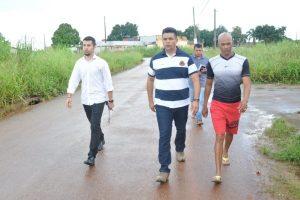 Manuel Marcos visita bairro em Rio Branco para ouvir demandas dos moradores