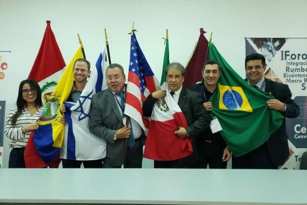 Manuel Marcos participa de fórum internacional no Peru
